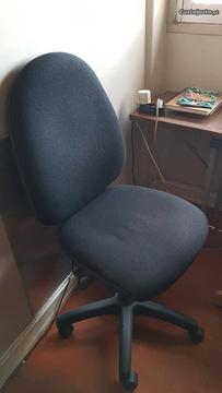 Cadeiras de secretária com rodas