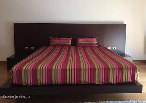 Mobília de quarto com cama de casal