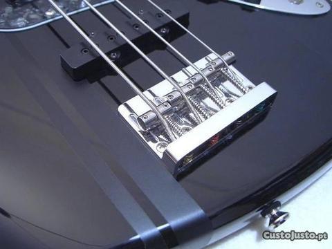 Guitarra baixo Jazz Bass com pu s Dimarzio
