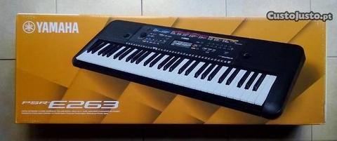 Orgão Yamaha PSR-E263