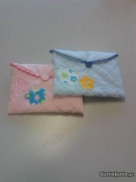 Pequenas bolsas em tecido