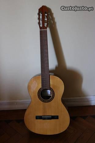 Guitarra Artis (possibilidade assessórios)